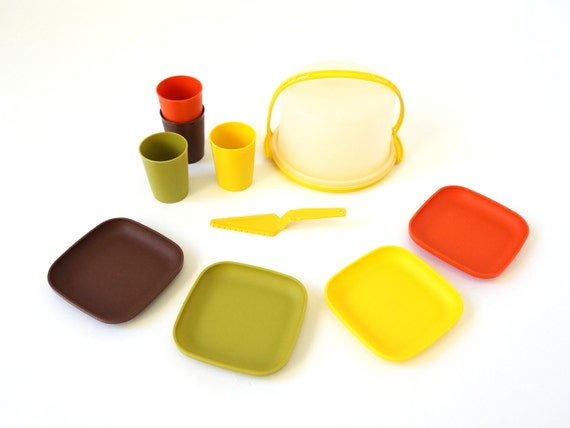 tupperware party play