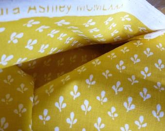 SALE - Vintage LAURA Ashley - 3 m Original 1980 LXXX Cotton 100% Sprig Furnishing fabric