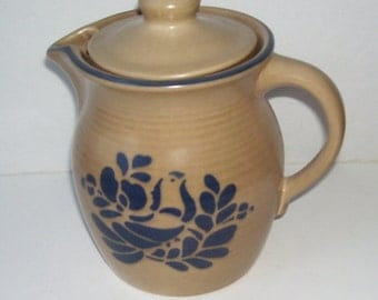 Pfaltzgraff Folk Art Pitcher with Lid, Tan and Blue, Milk Pitcher, Water Pitcher, Pfaltzgraff Pottery, Shabby Chic, Pitcher