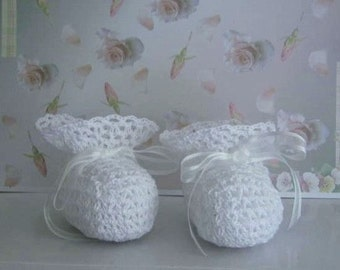 Thread Crochet Pattern - Vintage Lacy Heirloom Christening Booties - download
