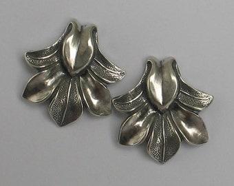 Vintage Sterling  Fleur de Lis Post Earrings