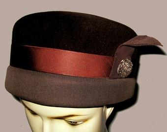 Women's Mid 1960's Brown two-tone Fur Felt Hat Sz 21.5 or/7