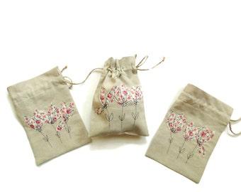 Drawstring gift bag, linen gift bag, bridesmaids favors, flower gift bags, summer wedding, appliqued bags, gift for her