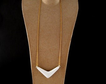 vintage enamel pendant - boomerang chevron pendant - spring summer jewelry - vintage pendant - vintage costume jewelry - resort wear