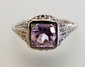 Lovely Vintage Deco Style Sterling Filigree Amethyst Ring