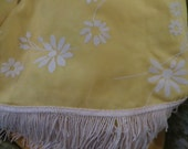 mid century  white flocked   flowers print round fringe tablecloth     new    70 in