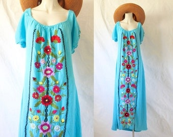 embroidered mexican dress / 1970's