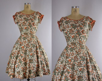 1950s Vintage Dress l 50s Fall Colored Floral Print Dress With Bow Details and Rhinestones
