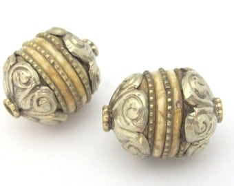 1 Bead - Tibetan silver Capped Tribal naga conch shell focal  bead with brass inlay- CH064