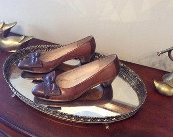 Salvatore Ferragamo Leather Pumps 6.5
