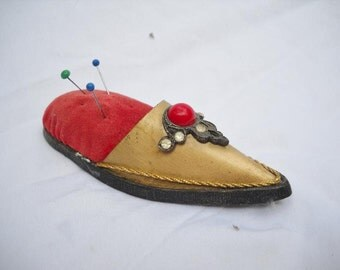 Vintage pin cushion, shoe pin cushion, antique Jameco Metal Products