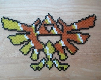 zelda, link, triforce,hyrule crest, zelda art, video game, video game art, perlers, perler, perler art, retro games, geeky, geeky art, nerdy