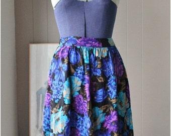 ON SALE Renee Adams Jewel Tones Floral gathered skirt Rayon skirt with pockets Large flowers vintage skirt size medium