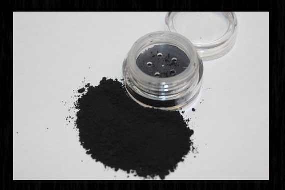 Mineral Makeup from Back2TheEarth