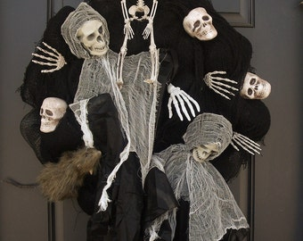 Scary Halloween Wreath, Skull Wreath, Halloween Decor, Grim Reaper Wreath, Door Decor, Door Wreaths, Skeleton Wreath