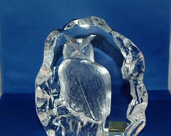 Swedish artist Mats Jonasson Crystal Royal Krona Owl from his Birds of Prey Series Paperweight / Sculpture ~ # 3166 ~Very Good ~ 7 of 42