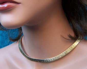 Vintage choker necklace gold tone metal Hollywood Regency mid century style (AAA)