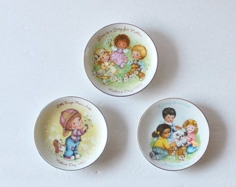 CIJ 40% off sale // Collection of 3 1980s Avon Mother's Day Small Decorative Plates