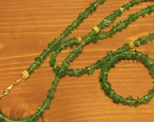 Green glass chips necklace and memory wire wrap bracelet ... necklace w/ matching bracelet