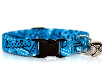 Turquoise Bandana,, Turquoise Blue Cat Collar, with a black breakaway buckle