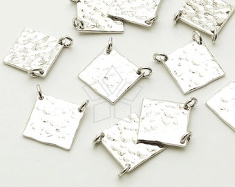 PD-1469-OR / 2 Pcs - Rectangular Plate Sideways Pendant. Hammered Square, Silver Plated over Brass / 10mm x 10mm