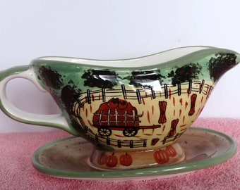 WCL Made in China Porcelain Gravy Boat Attached Plate Farm Motif Home and Garden Kitchen and Dining Tableware Serveware Gravy Boats