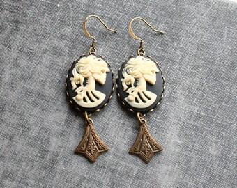 Skull Cameo Earrings with Art Deco Charm  Skull Earrings, Cream on black Skull Cameo Earrings, Skull Cameo Jewelry, Zombie Girl Earrings