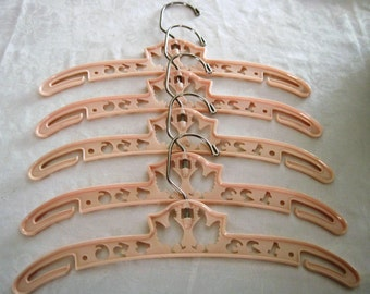 Vintage Child Children's 5 Plastic Hanger Set Pink Cut Out Farmyard Chickens & Numbers Design