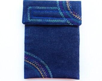Kindle Case - Pinwheel Embroidery Design