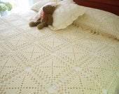 Gorgeous Hand Crocheted Bed Coverlet Bedspread Free Shipping