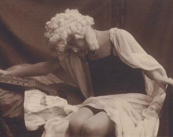 Deceitful Love Song, Italian Postcard circa 1910s by Sborgi