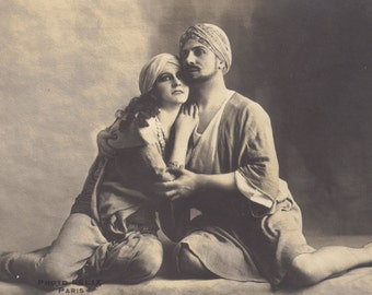 Kismet, Romantic Image of Jeanne Desclose and Lucien Guitry, circa 1913.