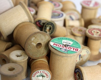 Vintage Wood Spools / Lot of 28 Old Wood Spools / Craft Supplies