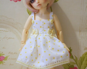 Littlefee -YOSD similar sized dolls dress in soft lemon and white