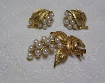 Crown Trifri faux pearl buds on gold tone vine with curled gold tone leaves lovely brooch and clip earrings