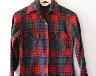 Vintage Woolrich Men's Shirt - Size 10 - Small - Red Green Plaid - Men's Clothing / Gifts for Him / Gifts under 50 / Vintage Mens Clothing