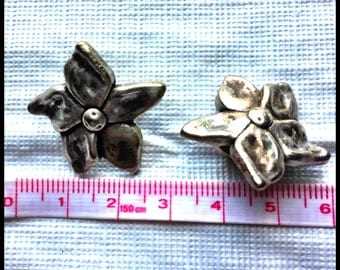 Flower Spacers Findings 25mm Licorice Leather Regaliz™