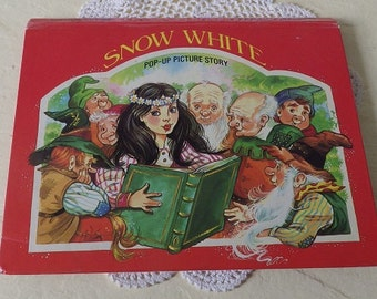 SNOW WHITE Pop-up Picture Book, 1989. Beautiful Illustrations