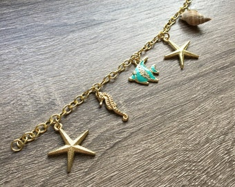 Ocean charm bracelet - aqua fish feature