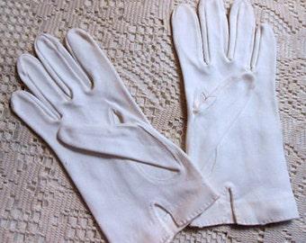 Soft WHITE CLOTH GLOVES Wrist Length, Hand Stitched, Buttons Feminine & Dainty, Unworn, Sz 7 Small, 1950s Glam Chic, Sunday Best Warm Wear