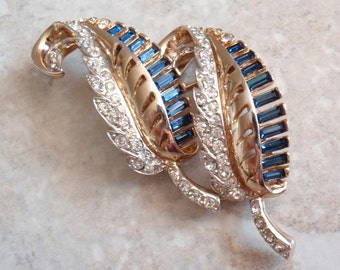 Coro Duette Fur Clip Gold Plated Leaves Montana Sapphire Clear Crystal Pat 1798867 Vintage E0096