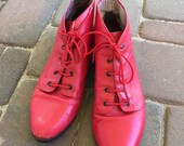 ON HOLD---------------Vintage 90s Red Ancle Boots/// Size 9