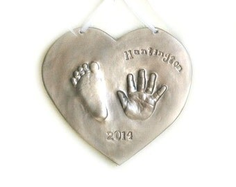 Newborn Baby Print Keepsake Plaque - Hand and Footprint Ceramic Keepsake of child - Gift for Mom, Dad and Baby - Personalized Baby Gift
