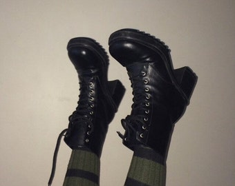 90s black lace up platform combat boots size 9