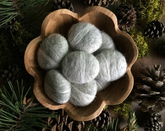 Felted wool pebbles, Light Grey, set of 25, needle felted stones, grey felt river rocks, neutral home decor, grey bowl filler, felt cat toys