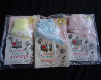 THREE Pairs FRILLY Lace Vintage 1970's Baby Infant Girls Nylon Socks NOS