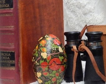 DISCOUNTED RARE Hand Painted Vintage Trinket egg ~ Made in INDIA Stunning and large vintage wooden egg - painted