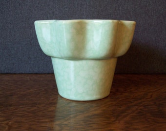 Mid Century Imperial Hull Pottery Green Flower Pot