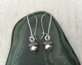 Silver Acorn Earrings - Simple Everyday Silver Earrings - Fall Winter - Nature Inspired Jewelry