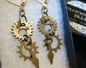 Antique Bronze Gear and Cog Steampunk Earrings (1959)